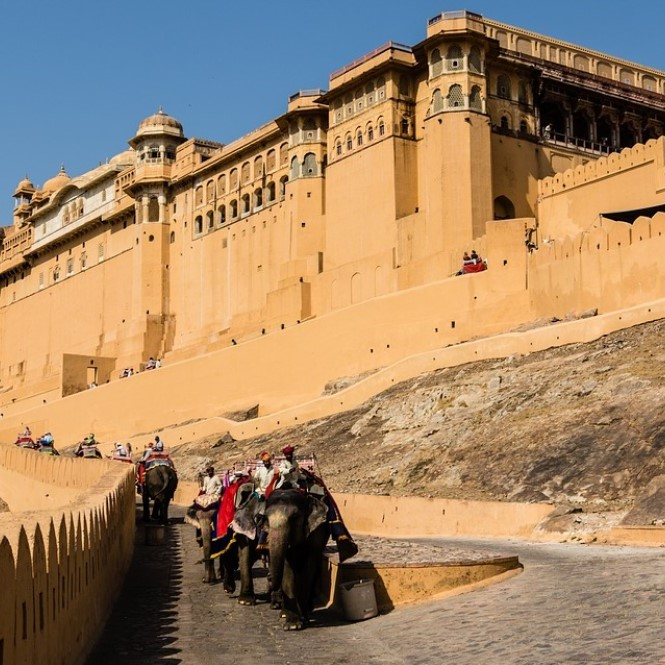 Rajasthan Holidays Weekend Tour Packages - Rajasthan India Tour Hire Car and Driver